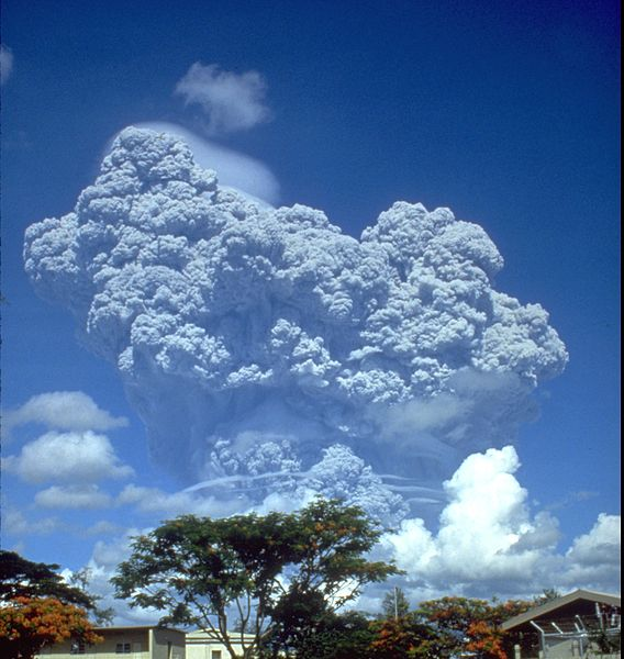 568px-Pinatubo91eruption_clark_air_base