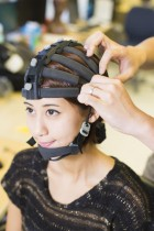 Bioengineers and cognitive scientists have developed the first portable, 64-channel wearable brain activity monitoring system that's comparable to state-of-the-art equipment found in research laboratories. The system also includes a sophisticated software suite for data interpretation and analysis. (credit: Jacobs School of Engineering/UC San Diego)