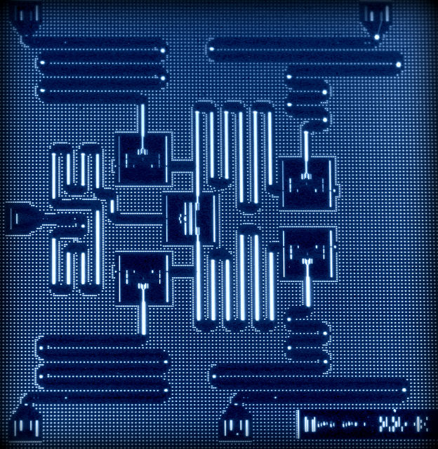 Layout of IBM's five superconducting quantum bit device. In 2015, IBM scientists demonstrated critical breakthroughs to detect quantum errors by combining superconducting qubits in latticed arrangements, and whose quantum circuit design is the only physical architecture that can scale to larger dimensions. Now, IBM scientists have achieved a further advance by combining five qubits in the lattice architecture, which demonstrates a key operation known as a parity measurement – the basis of many quantum error correction protocols. (credit: IBM Research)
