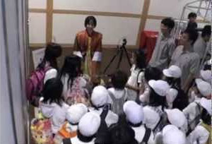 Japanese-robot-actroid-SIT-gets-more-social