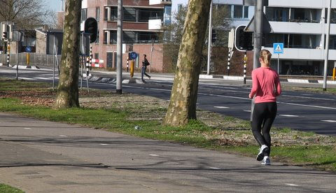 Jogging_young_female