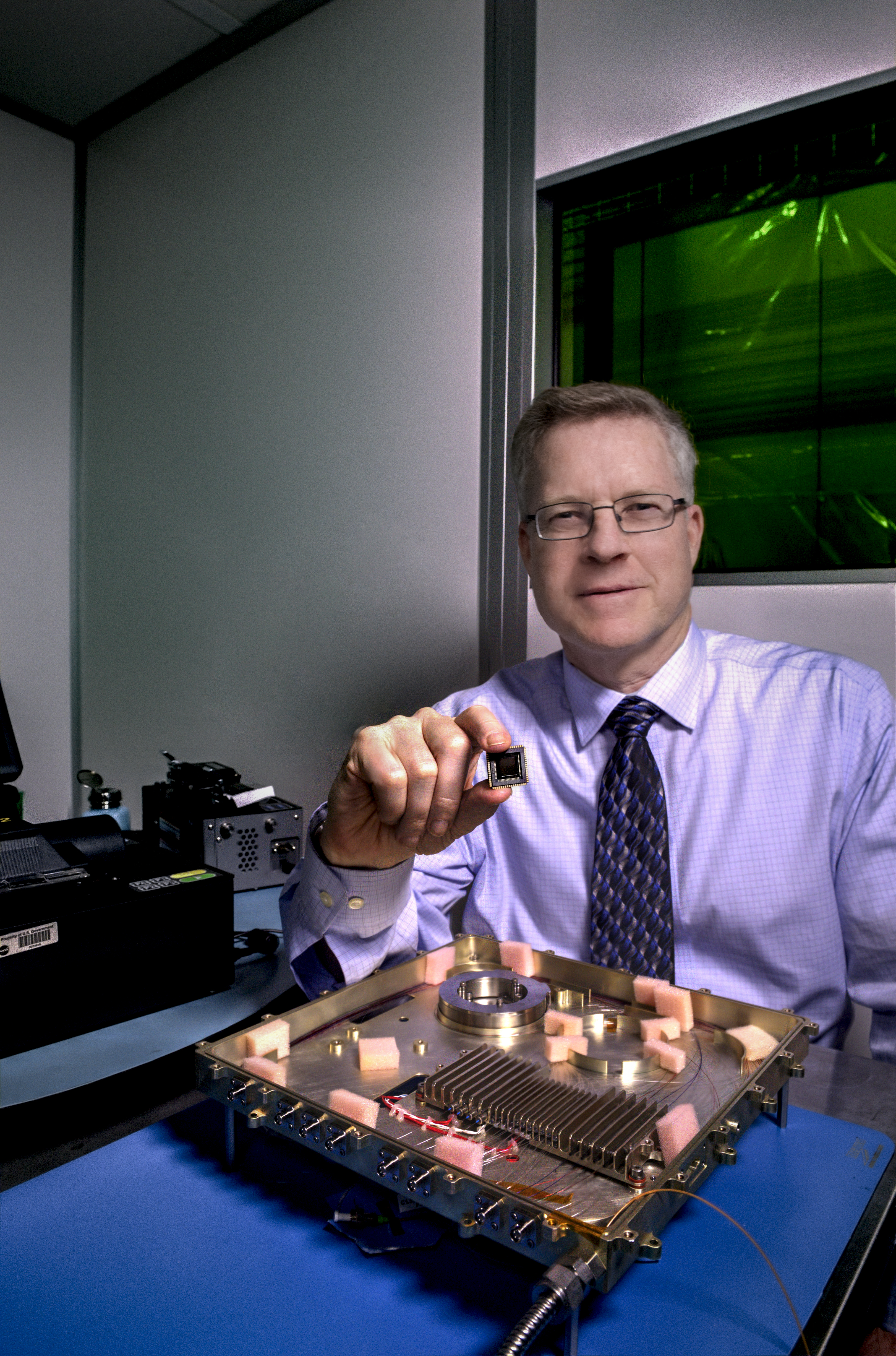 Nasa Engineers To Build First Integrated Photonics Modem Kurzweil Increase Internet Speed 100 Times Faster Using Photonic Circuit