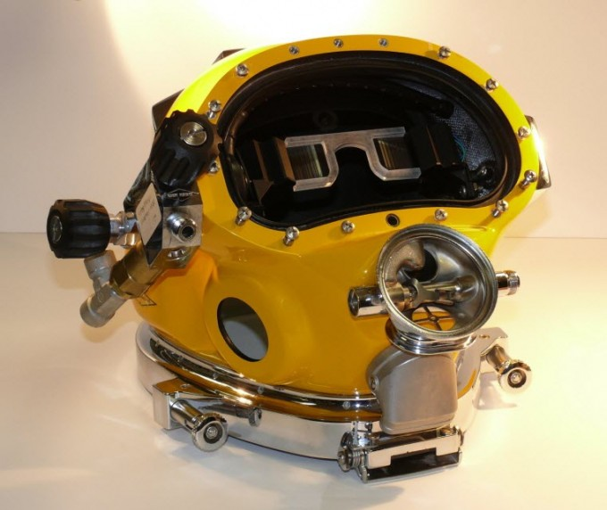 Prototype of the Divers Augmented Vision Display (DVAD) positioned within a dive helmet (credit: U.S. Navy Photo/Richard Manley (RELEASED) 151130-N-PD526-005)