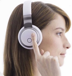 AIVVY headset (credit: AIVVY)