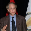 Ray Kurzweil giving the keynote address at the Army SMART conference in Dearborn, Michigan, September 10, 2003