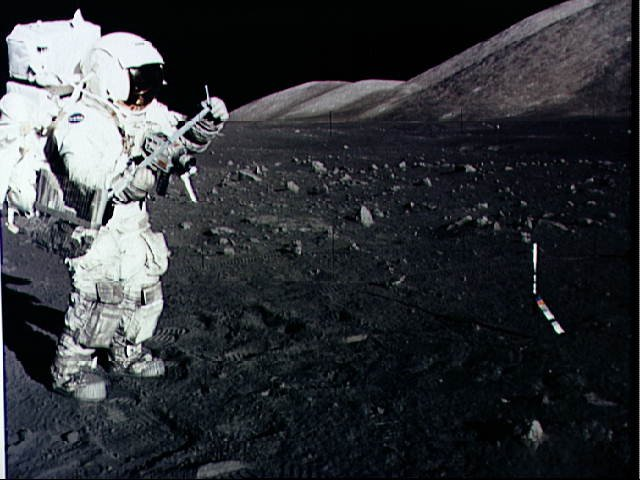 harrison-schmitt-apollo17-astronaut-moonwalk